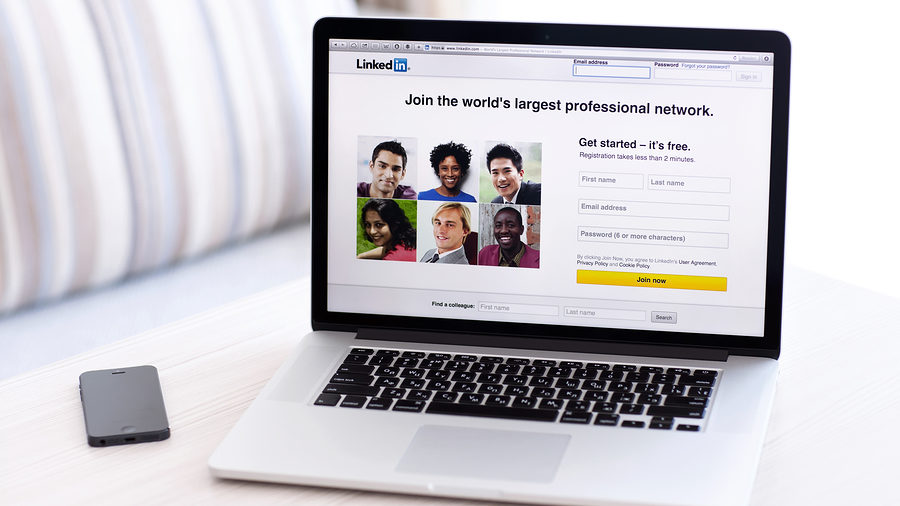 How to Stand Out to a Recruiter on LinkedIn
