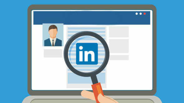 LinkedIn Profile: What Grabs a Recruiter?