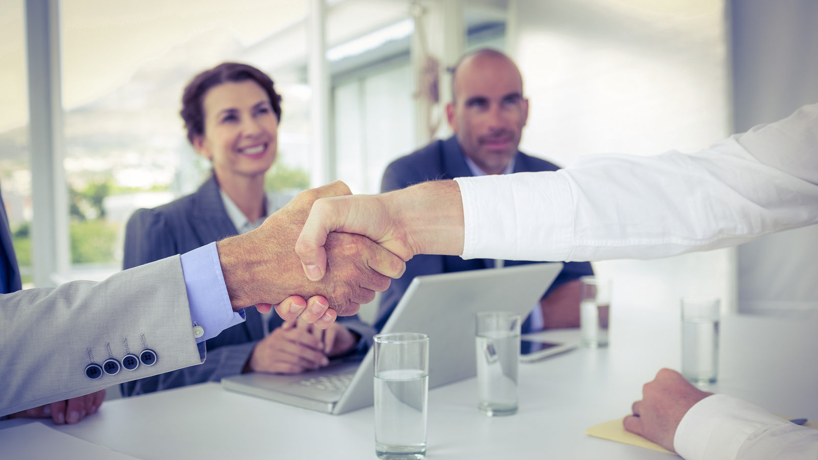 How to Impress Top-Notch Candidates During an Interview